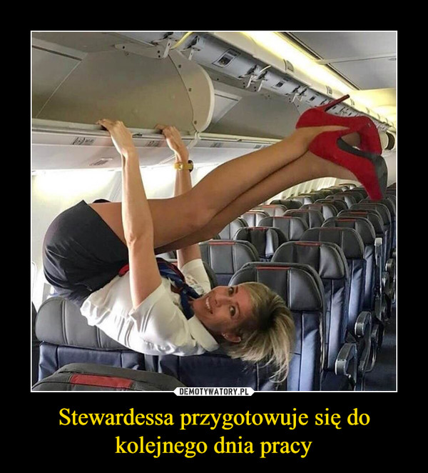 Stewardessa przygotowuje się do kolejnego dnia pracy –