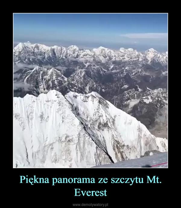 Piękna panorama ze szczytu Mt. Everest –